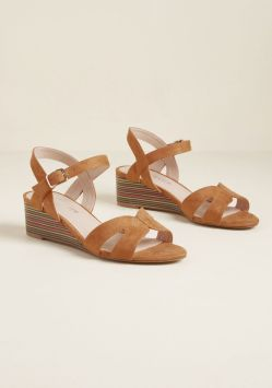 10102024_chelsea_crew_stacked_throwback_wedge_sandal_rust_MAIN